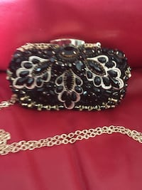 Beautiful evening bag great condition only $25.00 Barrie, L4N 5H1