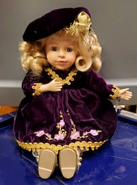 Collectors Choice Animated Musical Porcelain Doll  MINNEAPOLIS, 55414