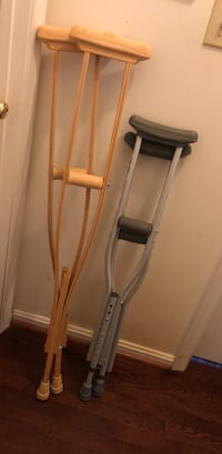Crutches, 2 pair- like new! Hurry Charles Town, 25414