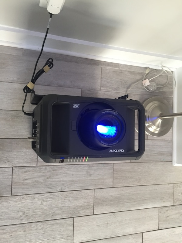 DHD800 Christie Projector 1080p with new lamp 461d32d5-4fce-4ce1-8545-6826d841a999