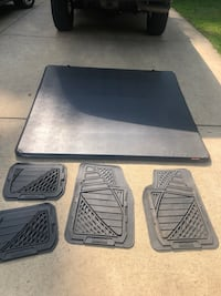 Toyota Tundra Tono cover and floor matts Springfield, 22152