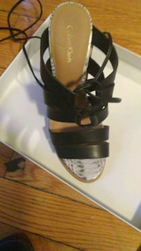 Calvin Klein heels never used size 7.5 Clayton, 63105