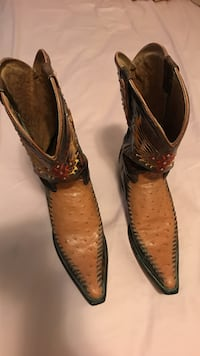 brown-and-yellow leather deep-scalloped pointed-toe mid-calf cowboy boots