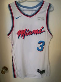 Miami Heat Jersey - Mens Medium  Vancouver, V6K 1V8