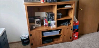 Very good and sturdy entertainment center