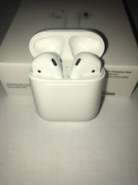 Apple AirPods 2 with case Surrey, V3R 0E5