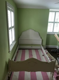shabby chic full size bed Chevy Chase, 20815