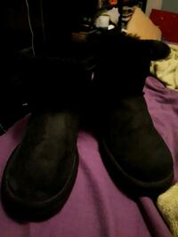 UGG Australia ankle boots size 9 Toronto, M9R 1T2