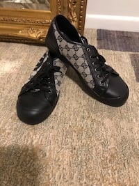 Authentic Prada shoes Good condition size 41 USA 9 Falls Church, 22046