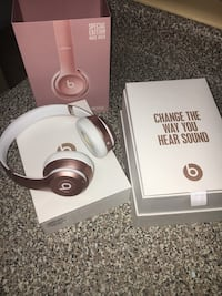 Rose Gold Beats By Dr Dre wireless headphones with box