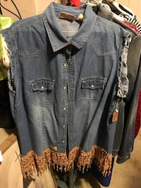 Sleeveless denim vest with lace new clean smoke free home  Tuscaloosa, 35405