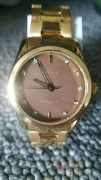 round gold-colored analog watch with link bracelet Dallas, 97338
