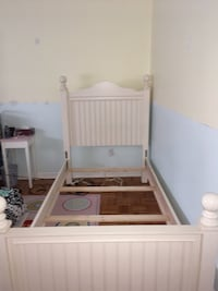 White and brown wooden bed frame Longueuil, J3Y 8R6
