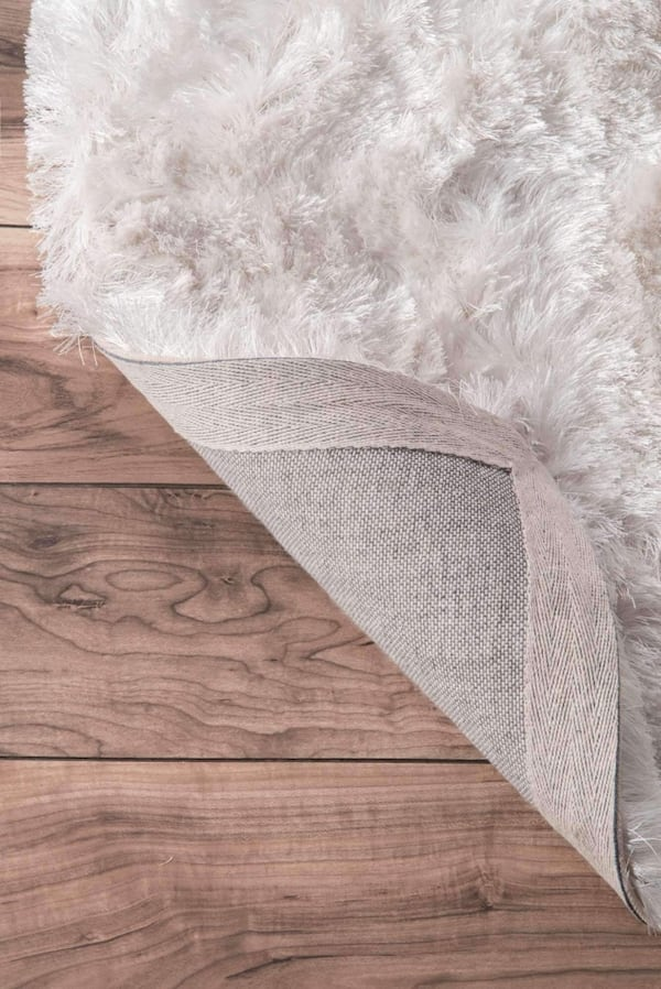 Hand-Woven Plush and Silky Shag Rug 1