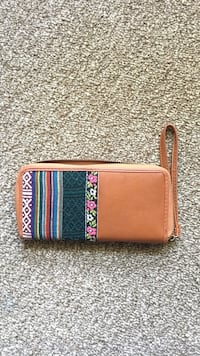women's brown, teal and white floral wristlet Central Okanagan, V1W