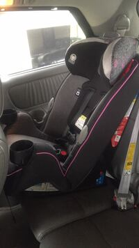 Convertible car seat/ booster