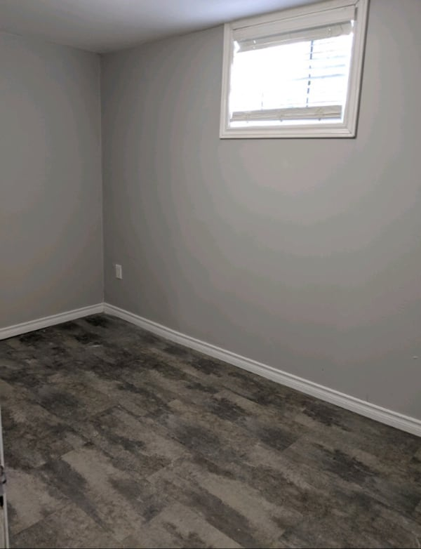 Spacious 2  Bed+Den Bsmt Apt, Great Location in the Vanier Area! 8e8f4051-ea94-4265-9773-ed4e8454ee14