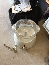 white and gray water heater Kenner, 70062