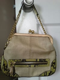 Coach purse -like new Oxon Hill, 20745
