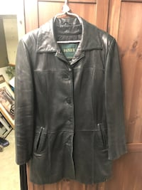 Ladies Danier soft leather coat in nice condition. Size 10-12 Surrey, V3V 7L9
