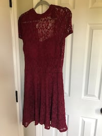 Burgundy dress - size 9 - new with tags  Loveland, 45140