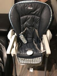 Baby's black and white high chair 17 mi