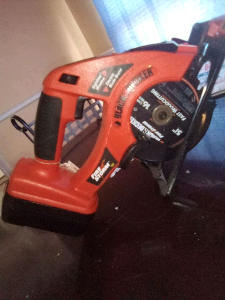 Photo Black and Decker saw