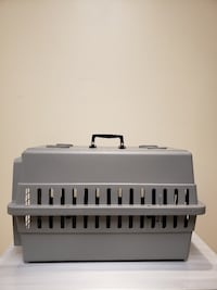 DOG / CAT PET KENNEL - BRAND NEW!!...NEVER USED!! - firm price Arlington, 22204
