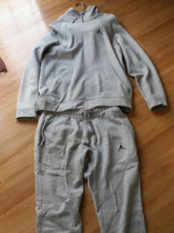 91139a22179d Used L grey jordan sweat suit. for sale in Altoona - letgo