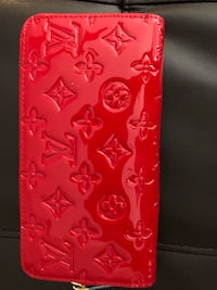 Red new wallet Land O Lakes, 34639