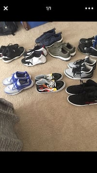 six pairs of assorted shoes Upper Marlboro, 20772