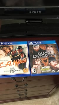 two Sony PS4 game cases Central, 29630