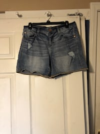 High-waisted distressed shorts Riverside, 92508
