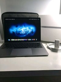 Late 2018 Space Grey Macbook Air 13 MINT Condition