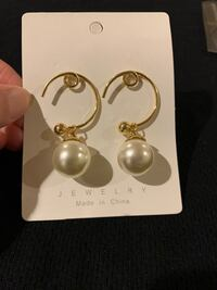 Fashion Pearl Earrings Catasauqua, 18032