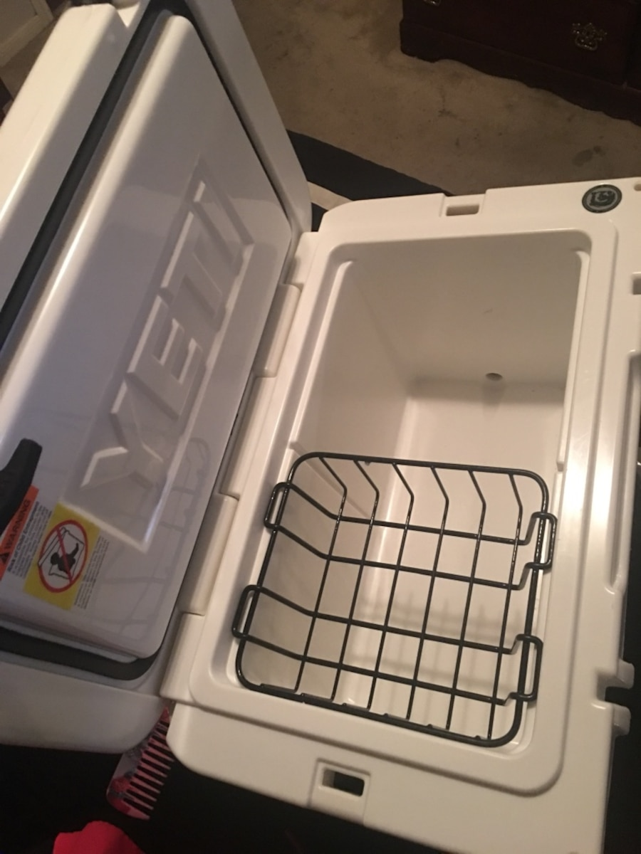 Yeti 45 qt great condition  - $250
