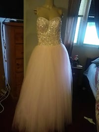 487dc611415 Used Amazing vintage wedding gown for sale in Riverside - letgo
