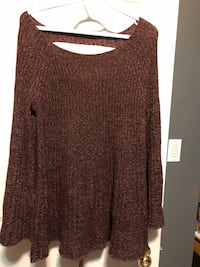 Lauren Conrad sweater  London, N6M 1J4