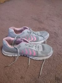 Shoes size 4 in girls 677 mi