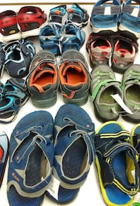 (8D) Kids' sandals sizes up to 7 youth Toronto