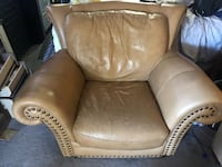 Big leather chair 2285 mi