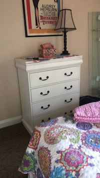 White wooden 5 drawer chest  Rockville, 20850