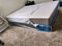 Queen Mattress w/Box Spring & Mattress Cover Silver Spring
