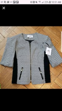 Womens Calvin Klein blazer.New with tag. Size 2.New with tag . Arlington, 22205