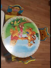 Winnie the pooh table and chairs  Orillia, L3V 1N1