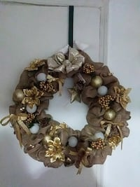 brown, gold, and white floral wreath decor