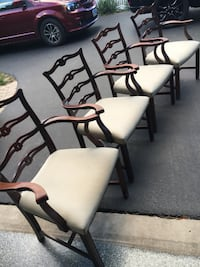 4 Dining chairs with arms Mount Prospect