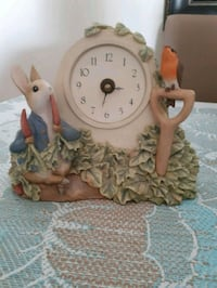 Peter Rabbit ceramic clock.  Whitby, L1P 1A1