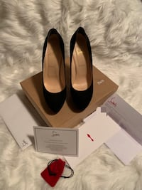 Authentic Christian Louboutin Heels Kenner, 70062