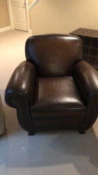 Brown leather padded chair Surrey, V4P 1Z9